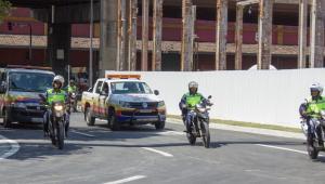 Agentes de trânsito realizam testes de operação na Via Binário do Porto